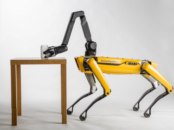 Boston Dynamics собирается выпустить тысячи кошмарных роботов-собак