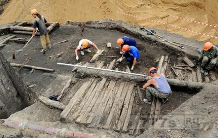 Археологи наткнулись на остатки московской улицы двенадцатого века