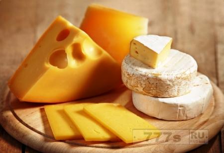 Почти весь сыр в России поддельный