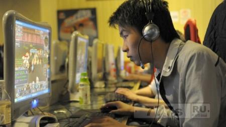 Интернет-кафе становятся родным домом для китайцев