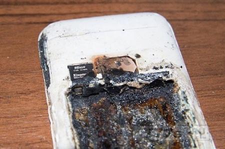 Не разговаривайте по мобильному во время его зарядки!