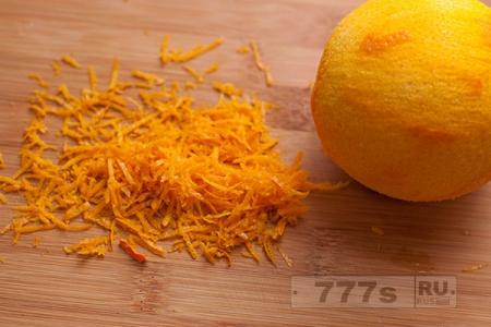 Алкоголь: апельсиновый ликер.