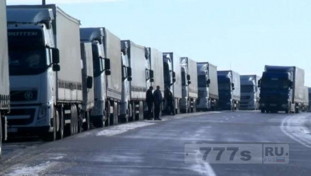 Россия запретила въезд Украинским фурам.