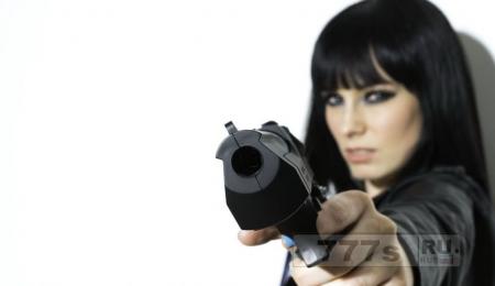 Ребенок стрельнул в мать 2