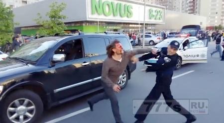 Борец Вячеслав Олейник из-за вождения в нетрезвом виде подрался с полицией