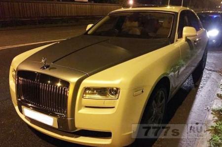 Rolls Royce стоимостью £ 200 тыс. полиция остановила за агрессивное вождение