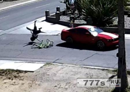 Женщина сбила своего парня после обнаружения у него ВИЧ