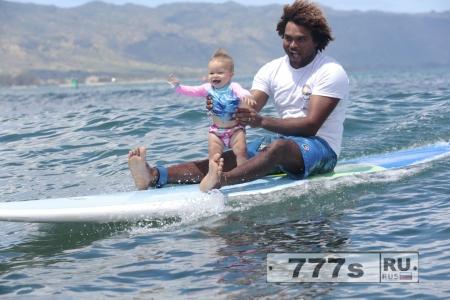 Отец и его дочь самые лучшие серферы