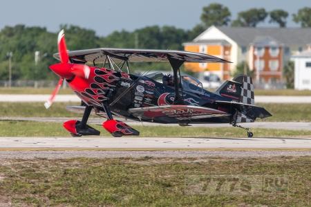 Пилот в порядке после аварийной посадки в поле