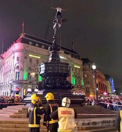 Альпинисту может быть предъявлено обвинение за осквернение статуи Эроса в Лондоне