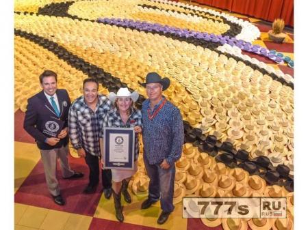 Центр North Hill в Калгари установил мировой рекорд Гиннеса в мозаике ковбойских шляп