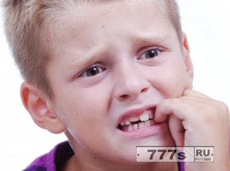 Здоровье: ученые косвенно подтвердили преположение о том, что грызть ногти в детстве полезно для иммунитета