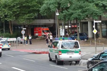 Подозреваемый арестован, когда прошел слух о даме с оружием в центре Кёльна