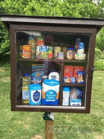 Интересно: общественные кладовые как способ помощи нуждающимся