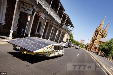 Британия хочет победить в ралли на автомобилях, работающих от солнца