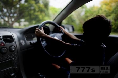 12-летний мальчик, вел машину более 100 миль, чтобы увидеть своих бабушку и дедушку