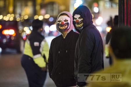 Клоуны в черном фургоне гнались за двумя школьницами в Эссексе