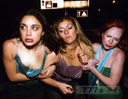 Девочки подростки в Британии «худшие в мире», так как пьют больше мальчиков