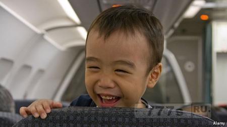 Авиакомпания ввела зоны свободные от маленьких детей на своих рейсах.