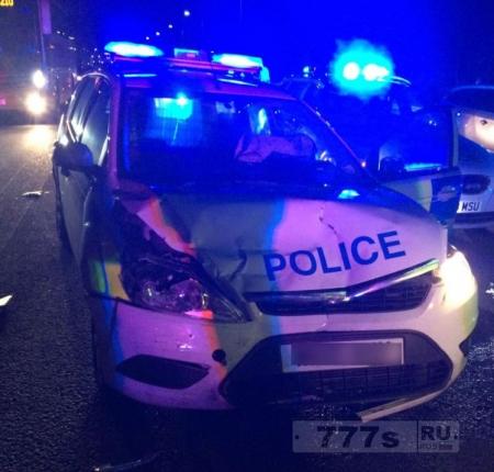 Воры проникли в полицейский участок и угнали полицейский автомобиль