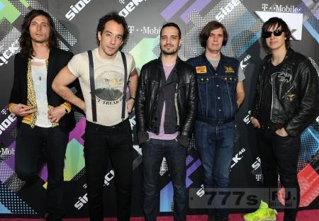 The Strokes Ник Валенси подтверждает, что они работают над новым альбомом