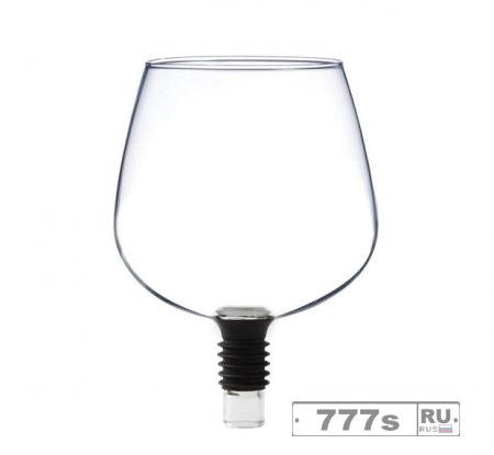 Для любителей вина появился почти бездонный винный бокал