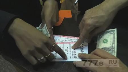 Женщина, которая считает, что лотерейные билеты это перевод времени, выиграла приз