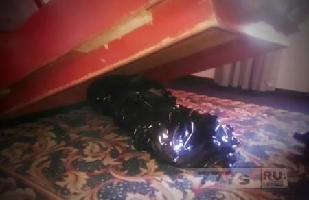 Гниющий труп обнаружен под кроватью отеля, где гости спали в течение недели