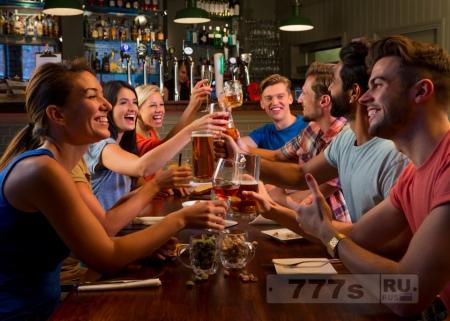 Только один алкогольный напиток в день вызывает сердцебиение и повышает риск развития инсульта, говорится в исследовании