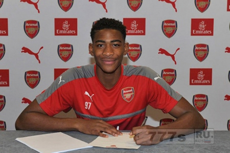 Арсенал подписал сделку с молодым игроком из Челси Захом Медлей, фаны в шоке