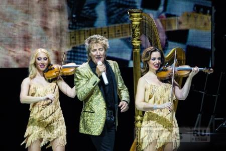 Дочь Рода Стюарта Руби открывает шоу в Лондоне со своей группой The Sisterhood