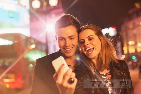 Счастливые пары, которые постоянно распускают «слюни» перед публикой в Фэйсбуке, вероятно, ненавидят друг друга.