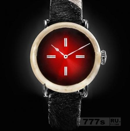 Невероятно дорогие часы изготовленные из швейцарского сыра – и их можно носить.