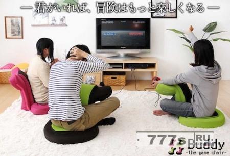 Японцы создали кресло для игроков в консольные игры и любителей чтения сидя.