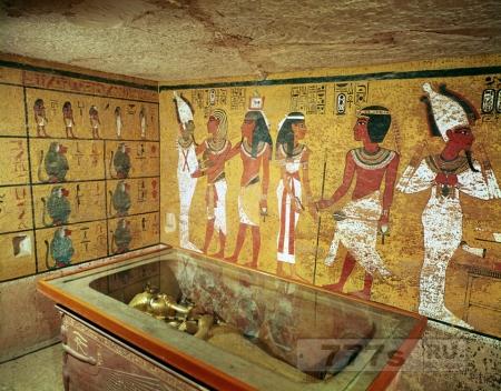 Ученые надеются раскрыть тайны гробницы Тутанхамона, используя радар для сканирования захоронения.