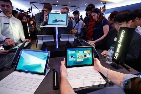 Samsung представили два планшета.