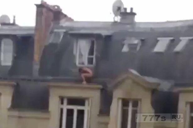 Муж вернулся из командировки, голый любовник спрятался за окном жилого дома.