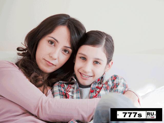 Матери в возрасте растят счастливых детей, говорят эксперты.