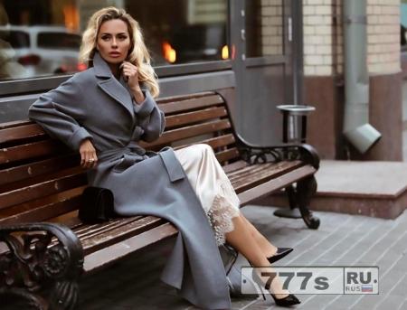 Русская модель утверждает, что она была остановлена в американском аэропорту и обвинена в шпионаже.