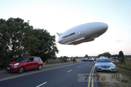 Самый большой в мире дерижабль разбился на испытательном полете ударившись о линии электропередач.