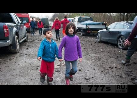 Теперь беженцы будут вынуждены покинуть Великобританию после пяти лет.