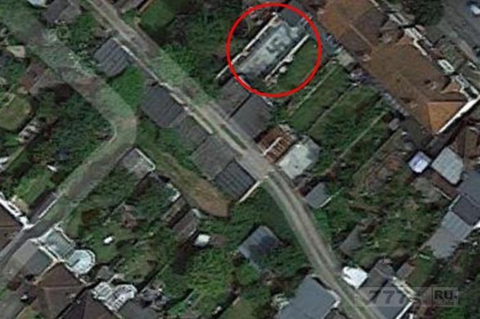 Огромная «свастика» была замечена в саду на картах Google – но это не то, что вы могли подумать.