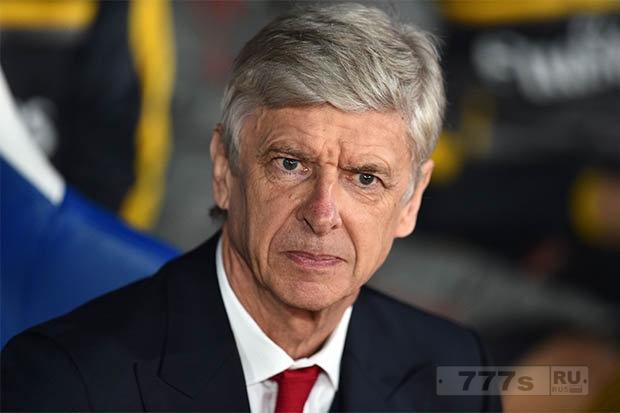 Болельщики «Арсенала» раскритиковали Арсена Венгера после проигрыша «Кристал Паласу»: он тупой и с манией величия.