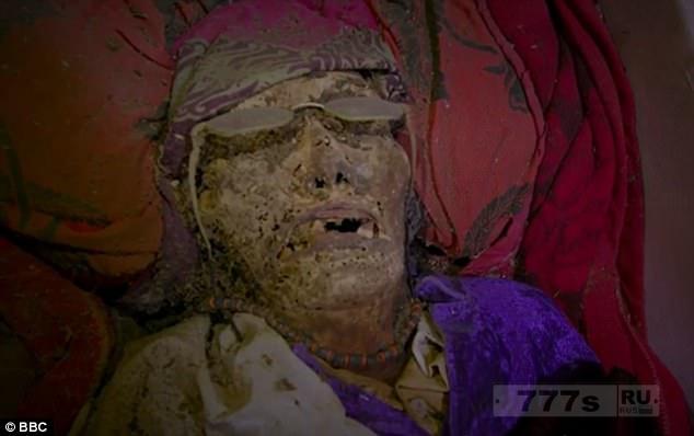 Индонезийская деревня мертвых.