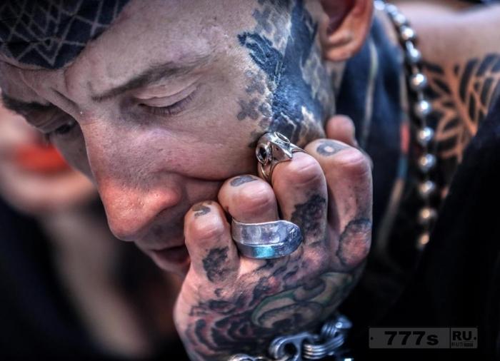 Фанатики татуировок собрались на Фестиваль Тату в Москве.