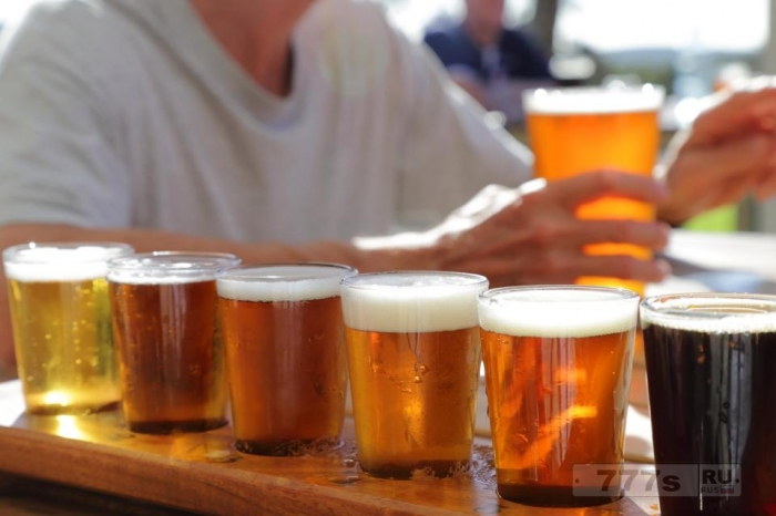 Датское производители пива собирают 50000 литров мочи гостей пивного фестиваля чтобы произвести новый лагер.