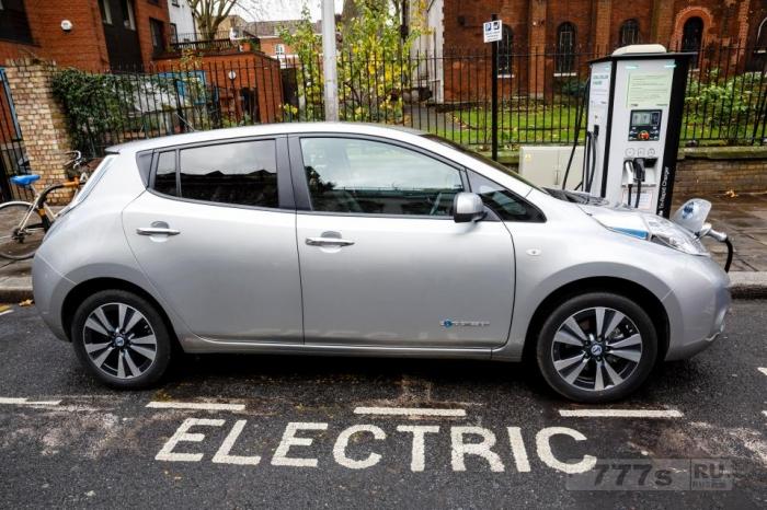 Определены скрытые расходы на покупку подержаного электромобиля.