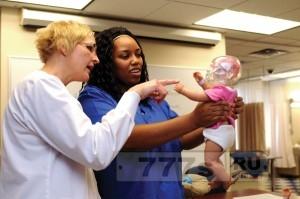 Кукла показывает, что действительно происходит с мозгом ребенка, когда его встряхивают.