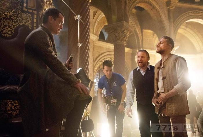 Фильм Гая Ричи Мечь короля Артура получил плохие отзывы экспертов за исторические ошибки.