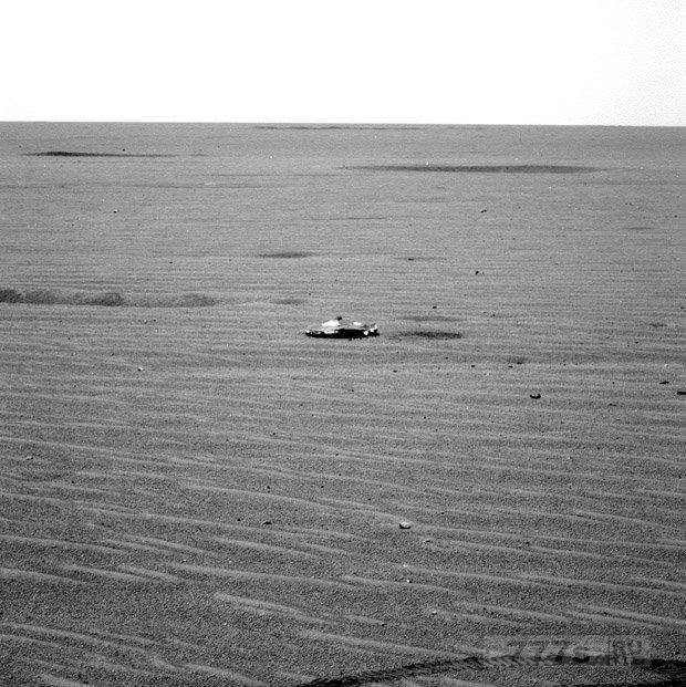 Самая четкая фотография НЛО, снятая Ровером НАСА на Марсе, привела интернет сообщество в трепет.